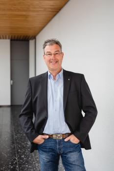 Herr Ralf Engstfeld